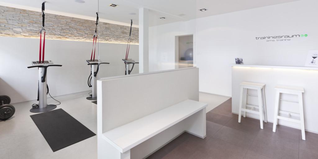 fitness ems studio eppendorf trainingsraum. Black Bedroom Furniture Sets. Home Design Ideas